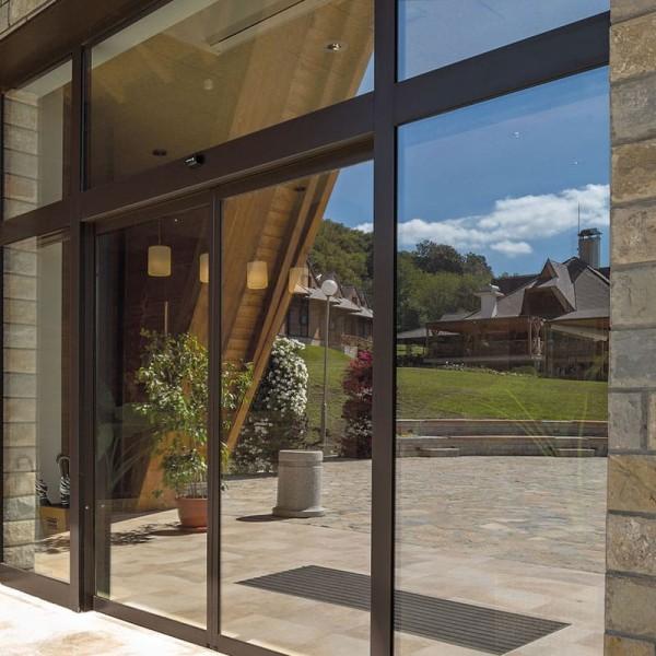 Sonnenschutzfolie Fenster innen selbsthaftend - Hitzeschutzfolie wiederverwendbar