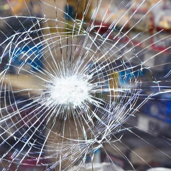 Sicherheitsfolie für Glasscheiben & Glastüren - Splitterschutzfolie Matt Weiß