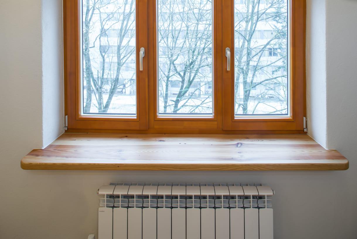 Fensterbank mit brauner Folie erneuern